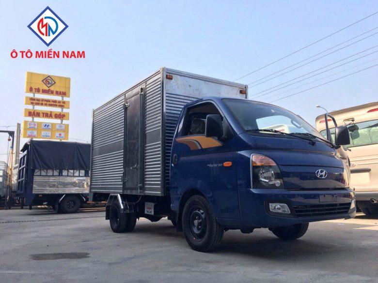 Xe tải Huyndai H150 thùng kín